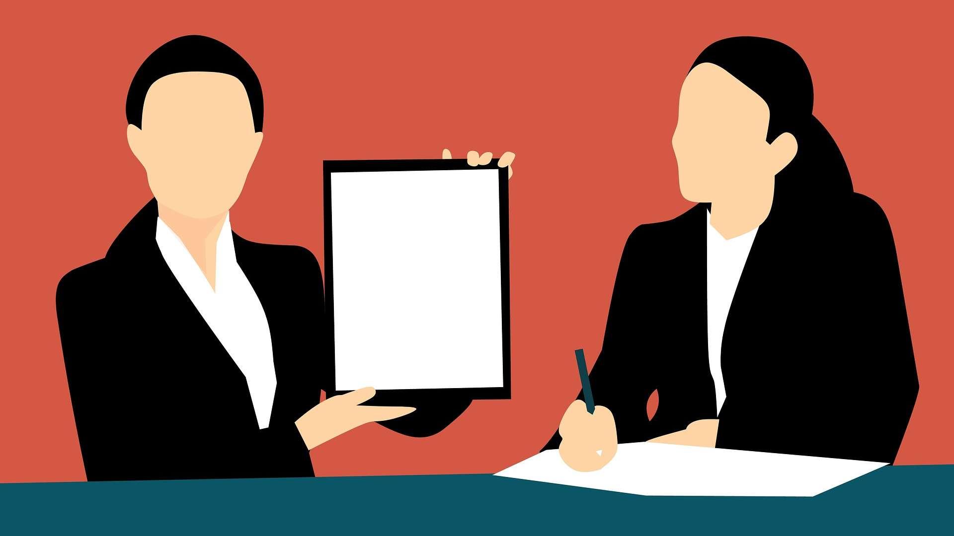 Zwei animierte Frauen sitzen an einem Tisch, die eine Frau hält ein Tablet in die Höhe, die andere schreibt etwas auf