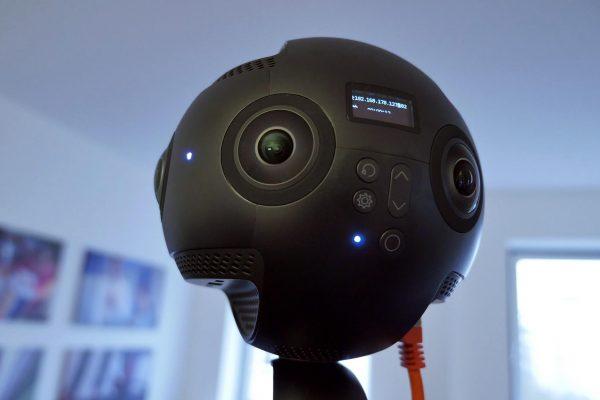 Nahaufnahme einer 360°-Kamera